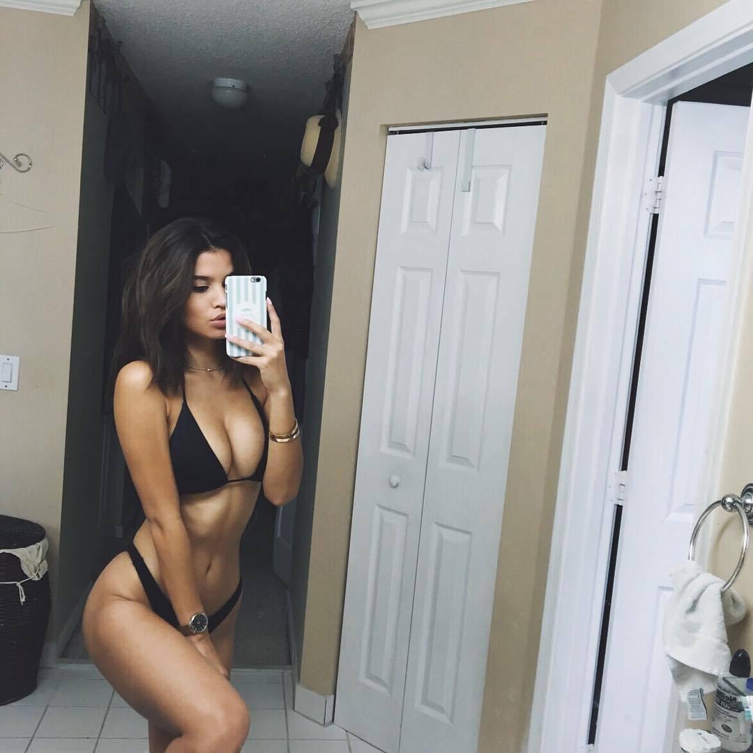 coquine toute nue dans le 24 pour du sexe