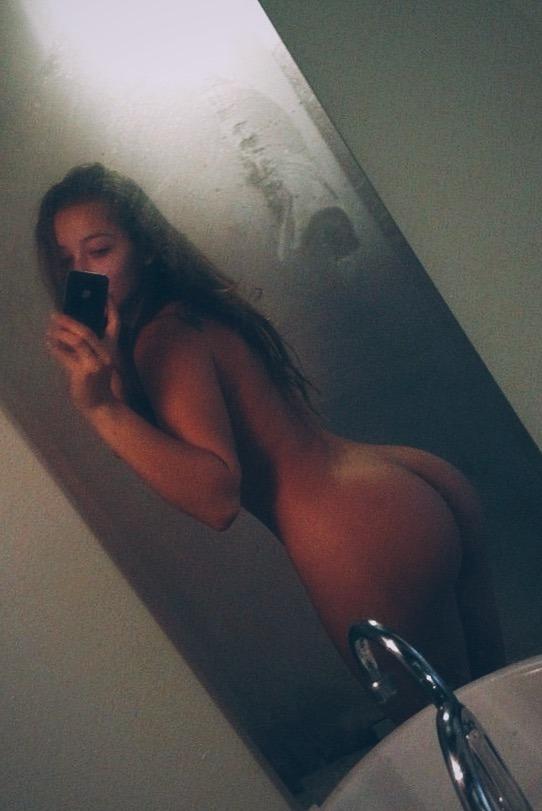 femme nue sexy dans le 50