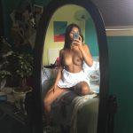 meuf ultra sexy et nue dans le 44