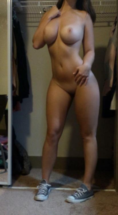photo de femme du 51 toute nue
