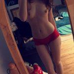 femme nue sexy dans le 45