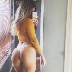 meuf ultra sexy et nue dans le 35