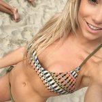 selfie coquin dans le 20 avec femme nue