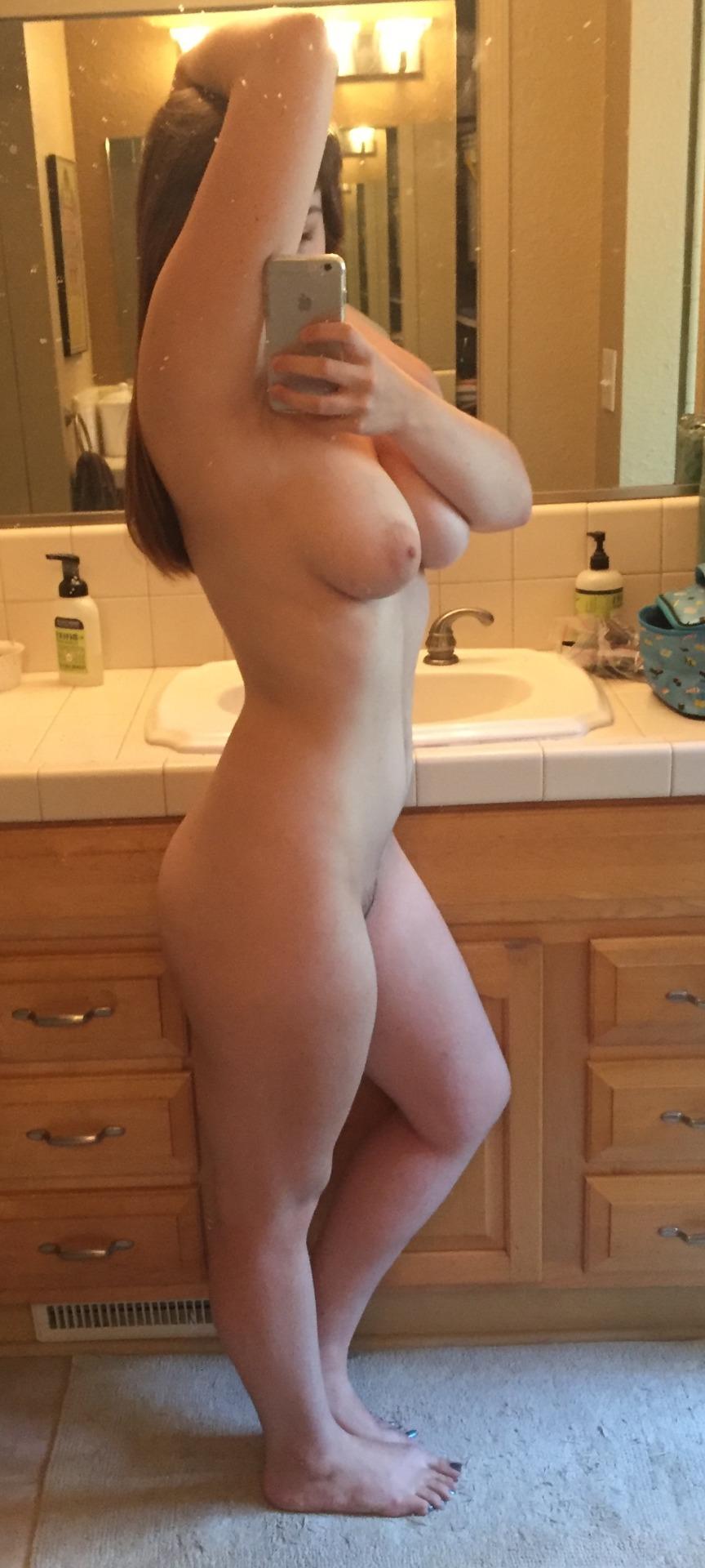 selfie coquin dans le 45 avec femme nue
